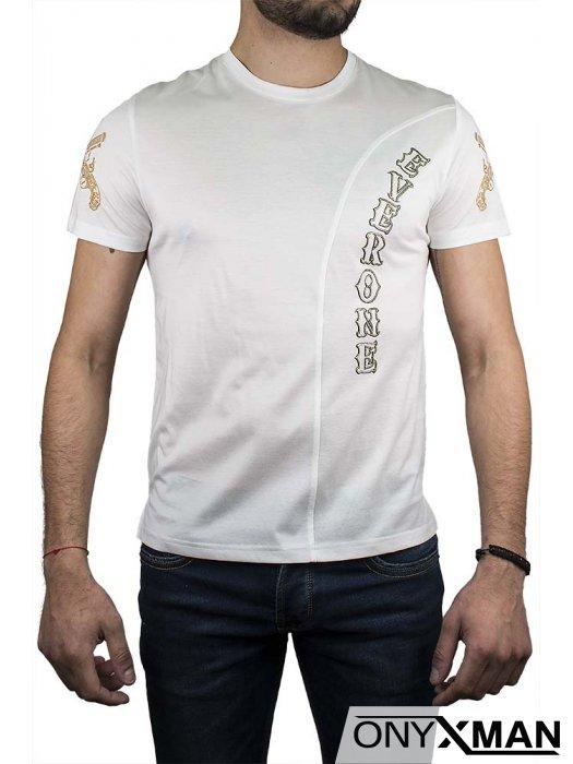 Тениска в бяло с револвери