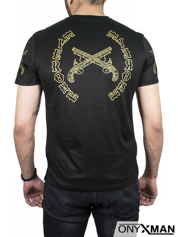 Тениска в черно с револвери
