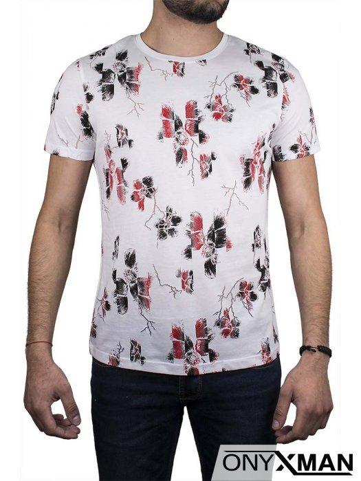 Бяла тениска с червено-черни цветя