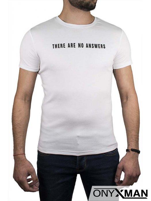 Бяла тениска с птица на гърба