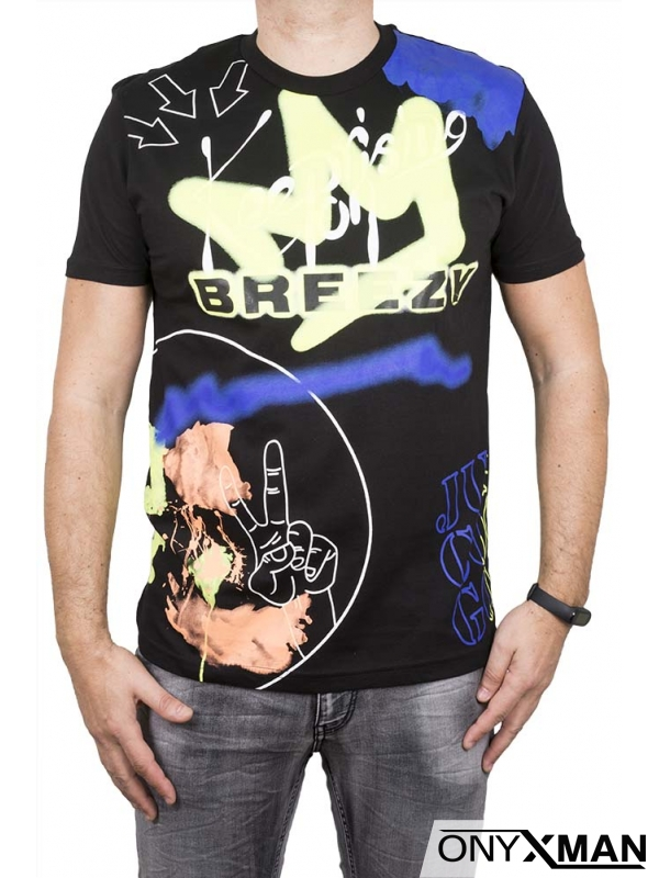 Тениска с ярък принт