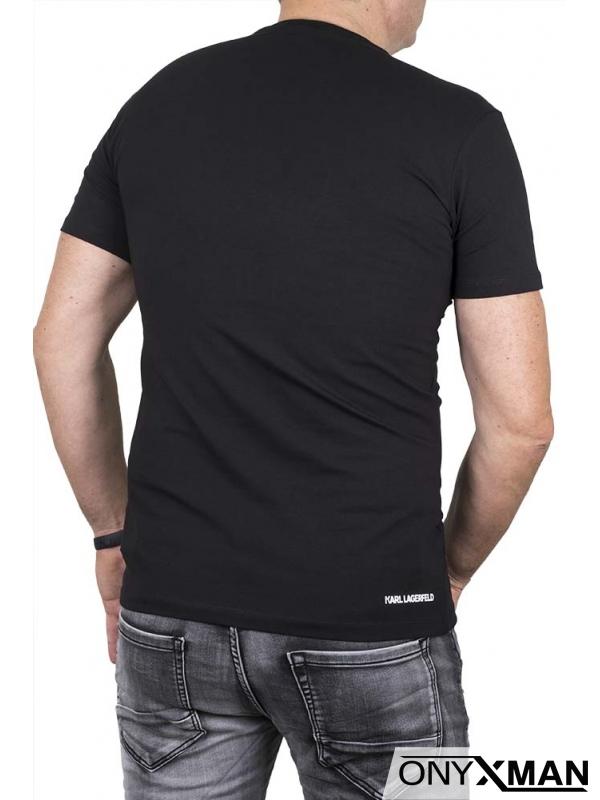 Вталена тениска с малка гумена емблема