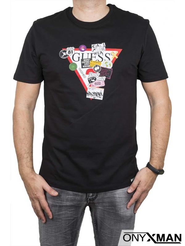 Тениска в черно с цветен триъгълник