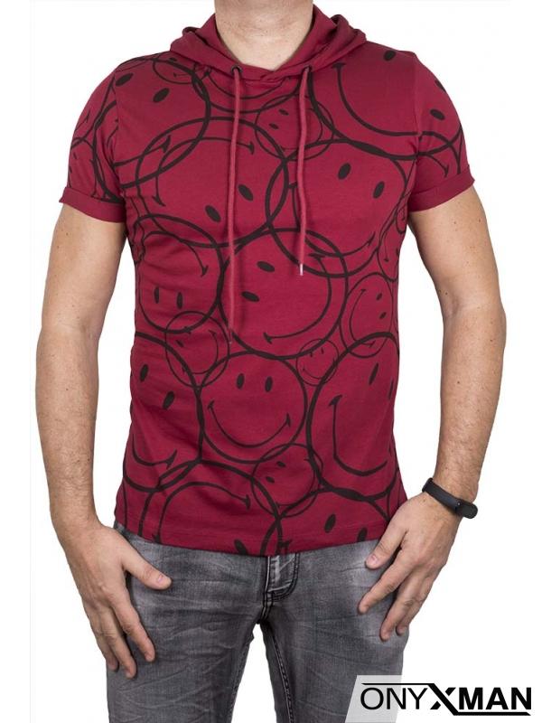 Мъжка тениска в червено с качулка