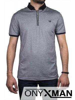 Стилна мъжка тениска с яка и  цип в сиво Големи Размери