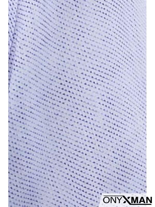 Мъжка риза в бяло с десен на ситни точици