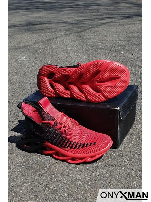 Спортни обувки в червено с преливаща подметка