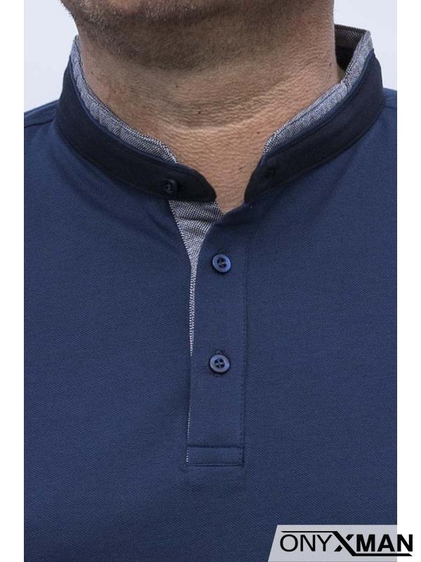 Семпла тениска с попска яка в синьо