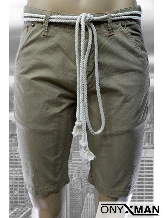 Модерни мъжки къси панталони в три цвята