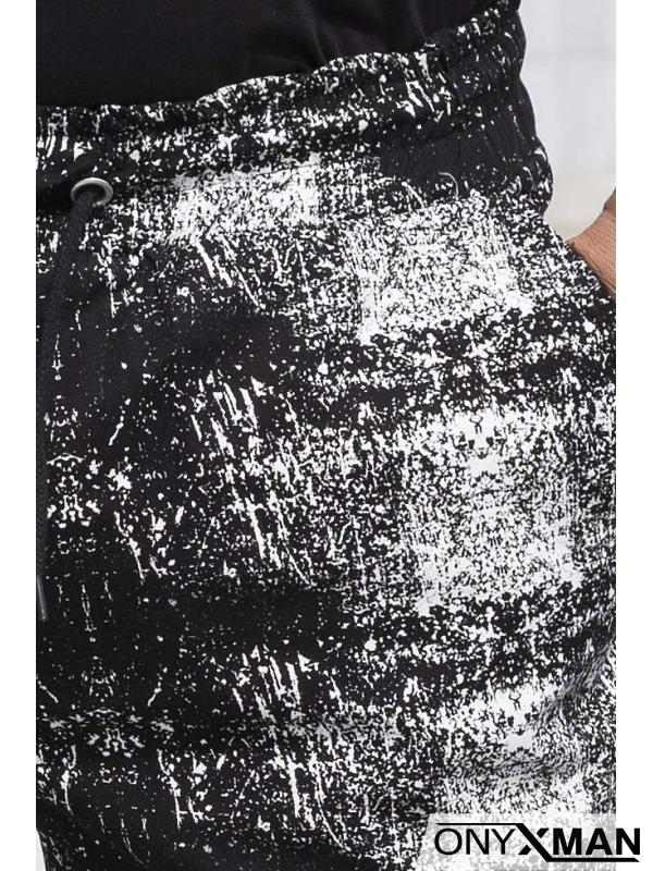 Къси панталони в черно и бяло
