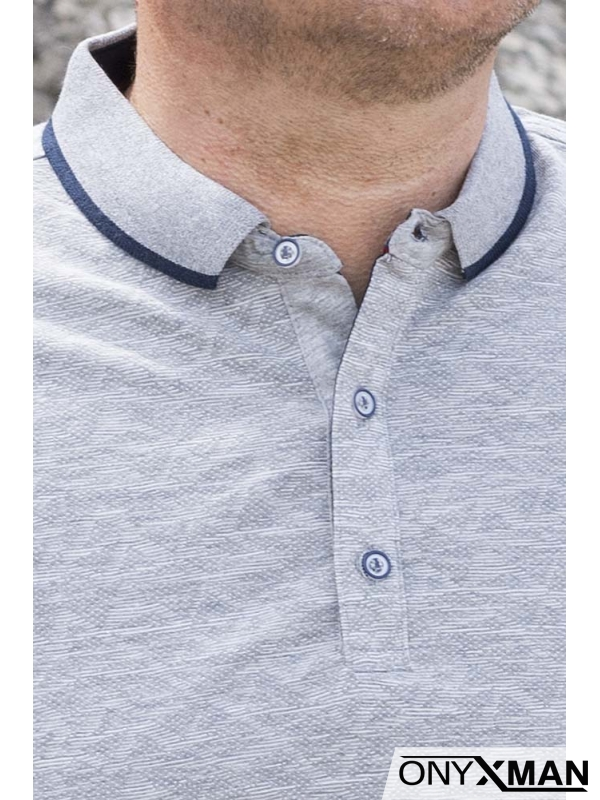 Тениска с яка в сиво с ромбове