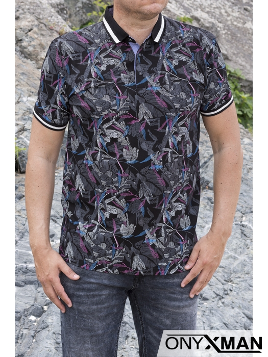 Тениска с яка в черно с цветни мотиви