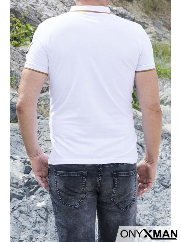 Тениска в бяло с яка и тигър