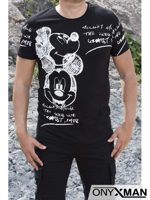 Весела тениска в черен цвят