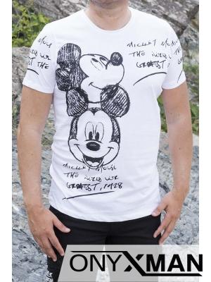 Весела тениска в бял цвят