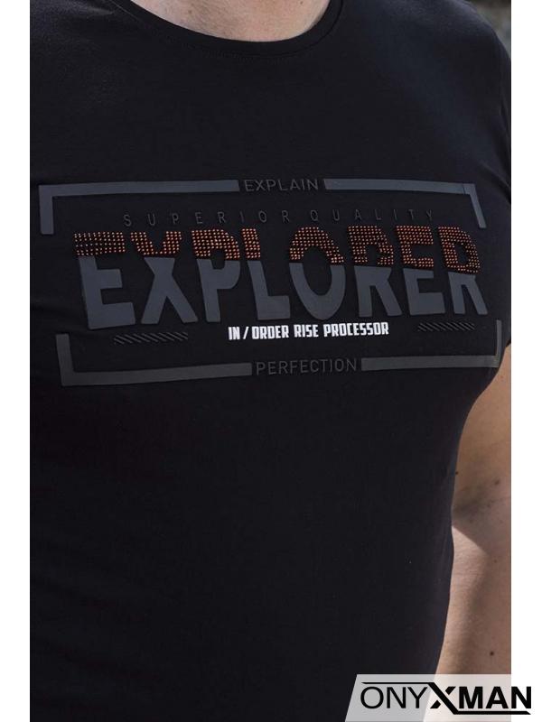 Тениска в черно с гумиран надпис 152611