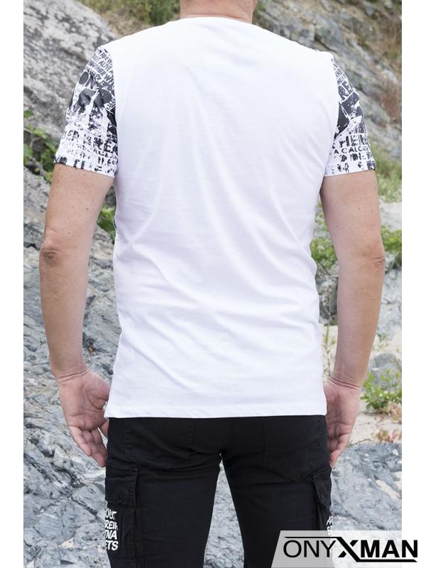 Тениска в бяло с принт букви