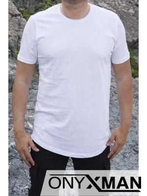 Модерна тениска в бяло с бели релефни надписи