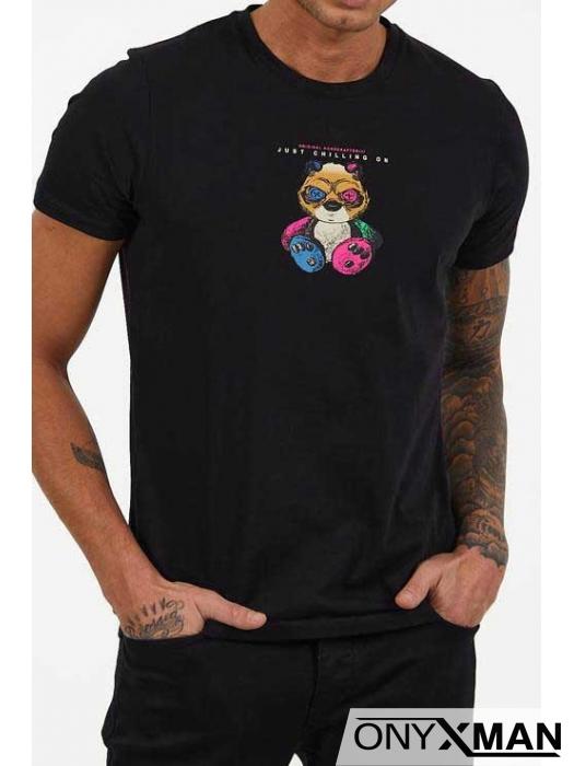 Мъжка тениска в черен цвят с принт Мече