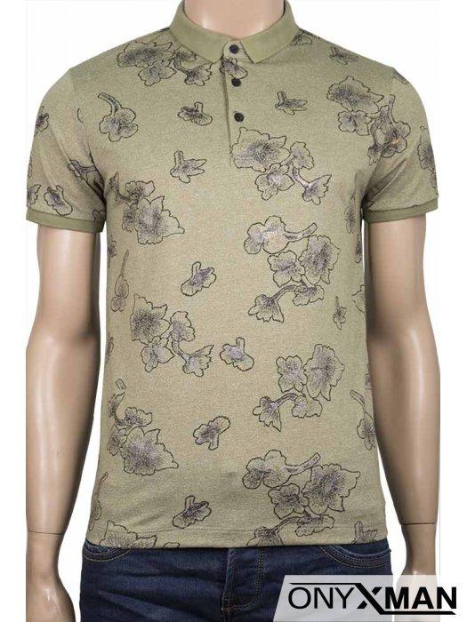 Свежа мъжка тениска с яка в зелено