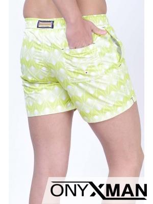 Плувни шорти в светло зелено