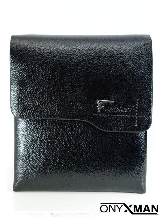 Мъжка чанта в черно