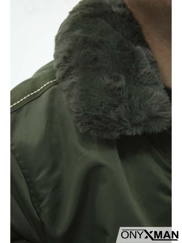 Мъжко късо зимно яке с пухкава яка