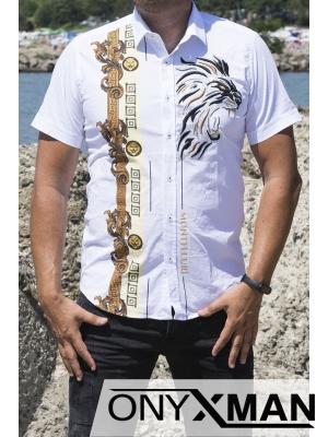 Вталена бяла риза с къс ръкав с атрактивна бродерия