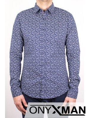 Вталена мъжка риза с дълъг ръкав