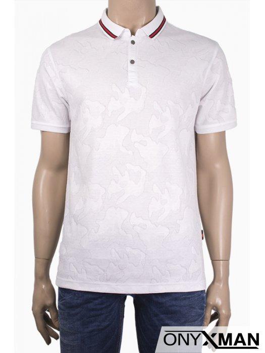Мъжка тениска с яка и сребристи копченца