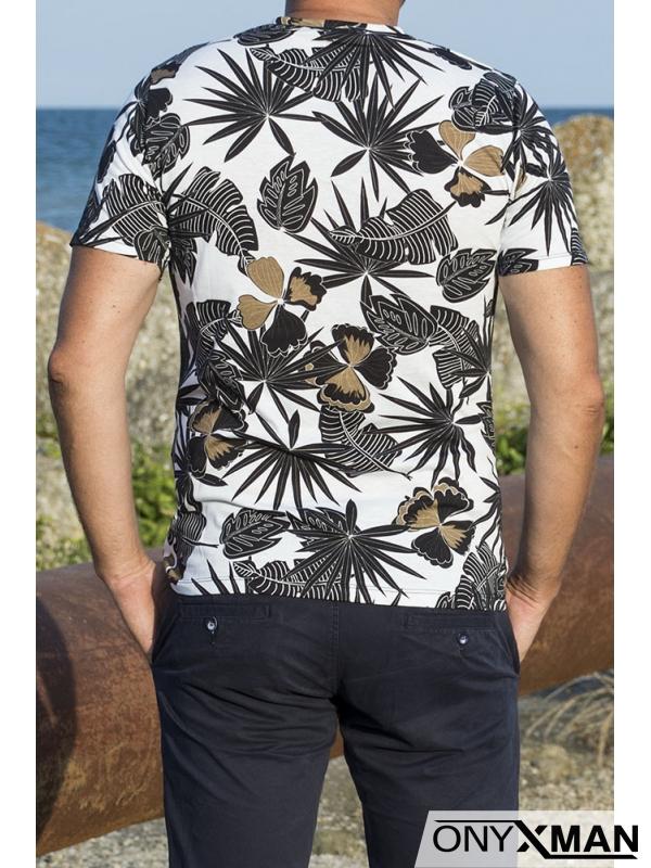 Мъжка тениска с десен на листа
